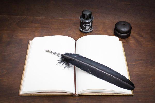 Grimoire Set mit Schattenbuch, Schreibfeder, Tinte und Federhalter