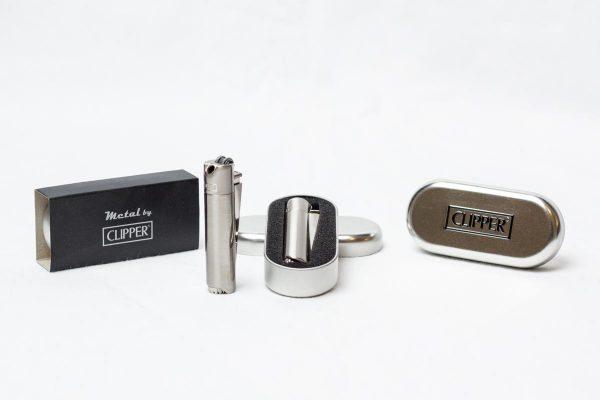 Nachfüllbares Clipper Gasfeuerzeug aus Edelstahl in edler Metallbox