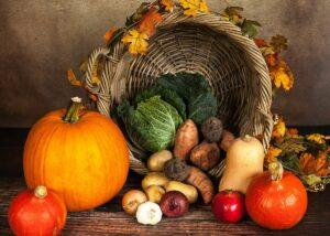 Die letzte Ernte in einer herbstlichen Dekoration - Ein Brauch zu Samhain.