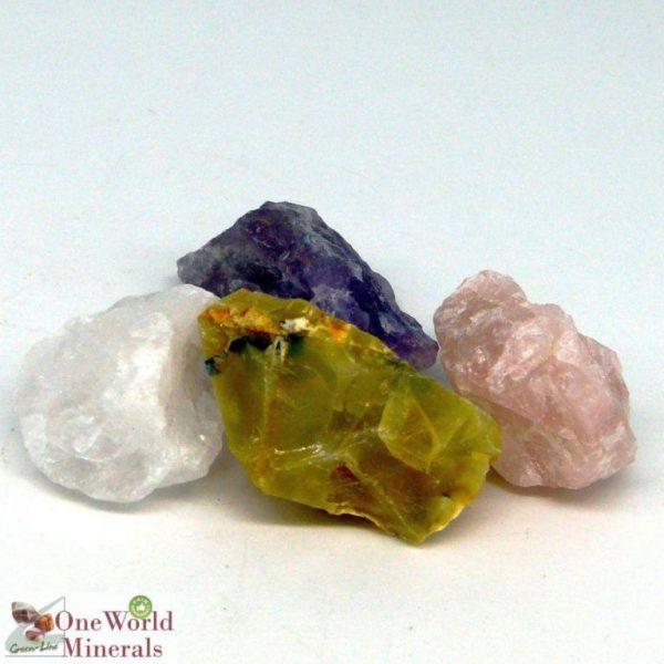 """Die Wassersteine-Mischung """"Vital & Opal"""" von OneWorldMinerals besteht aus Amethyst, Bergkristall, Rosenquarz und gelbem Opal."""