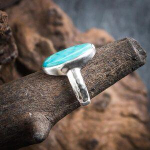 Ring aus 925er Sterling-Silber mit ovalem Türkis