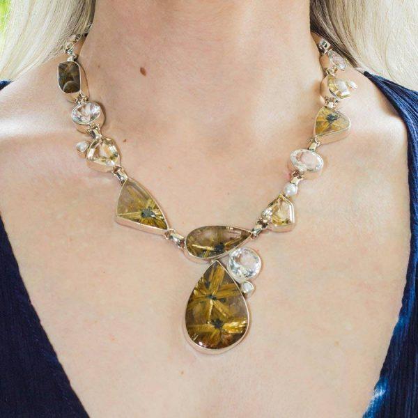 Rutilquarz Collier, verziert mit Bergkristall, Citrin und Perlen