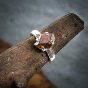 Silberring aus 925er Sterling-Silber mit Regenbogen-Granat