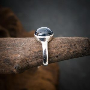 Ring aus 925er Sterling-Silber mit Sternsaphir