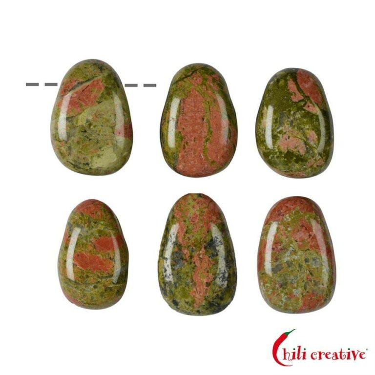 Tropfenförmiger Unakit Trommelstein gebohrt - klein