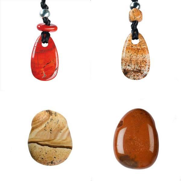 Das Kategoriebild zeigt vier verschiedene Beispiele für Jaspis.